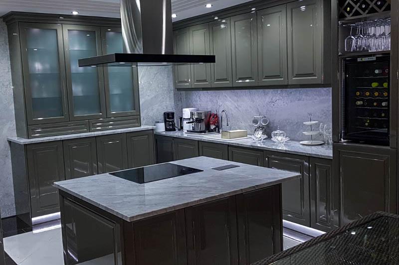 210 Kuhinja od mermera Carrara