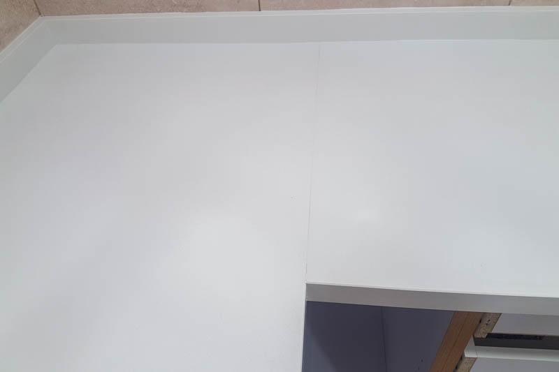 822 Kuhinja od kvarca absolut white