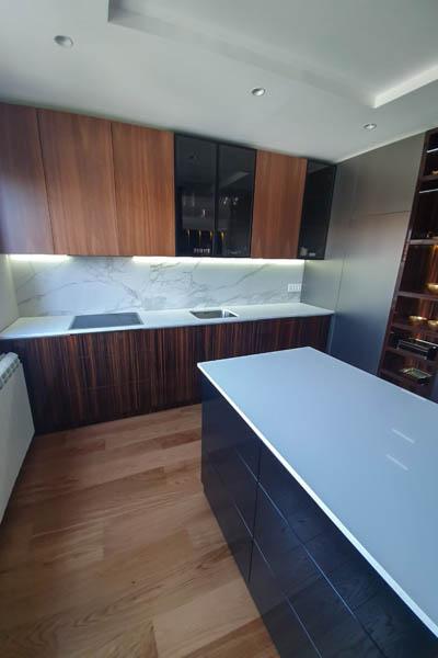 860 Kuhinja od kvarca absolut white