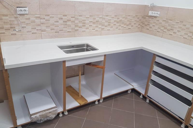 Kuhinja od kvarca absolut white