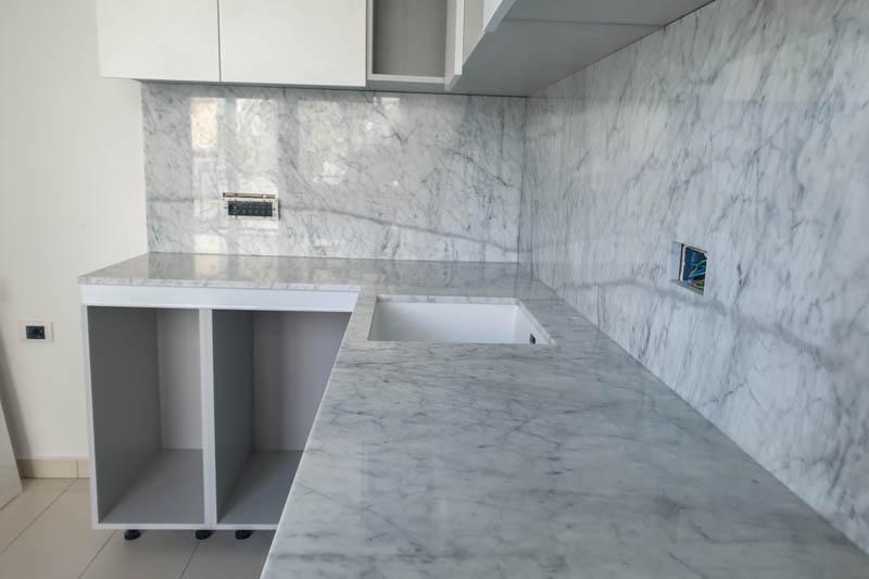 222 Kuhinja od mermera Carrara