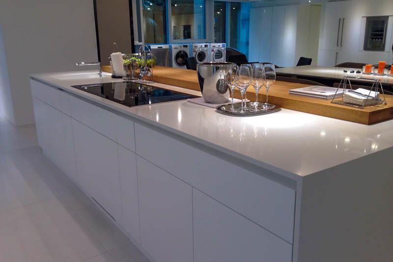 Kuhinja od kvarca Absolut white (2)