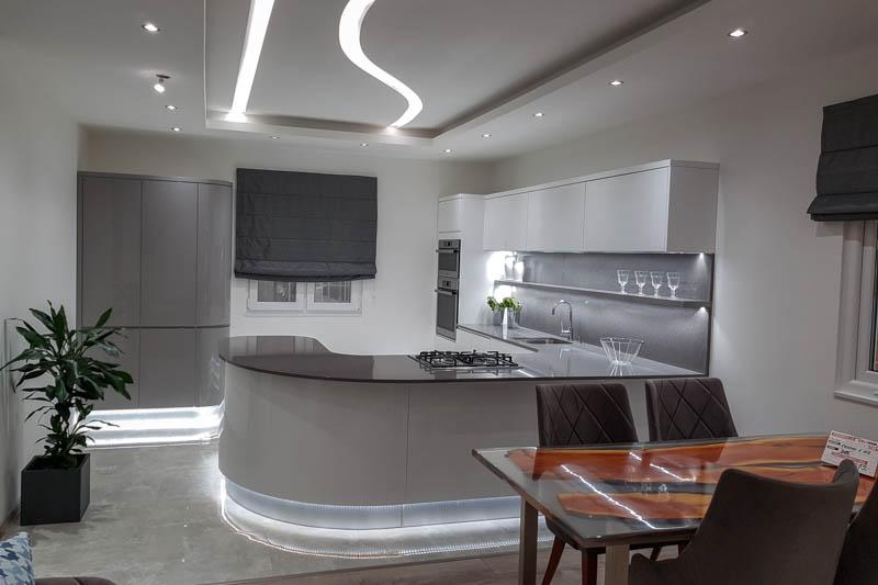 Kuhinja od kvarca Starlight grey 1