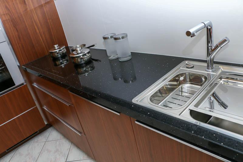 Kuhinja od kvarca Starling black 1