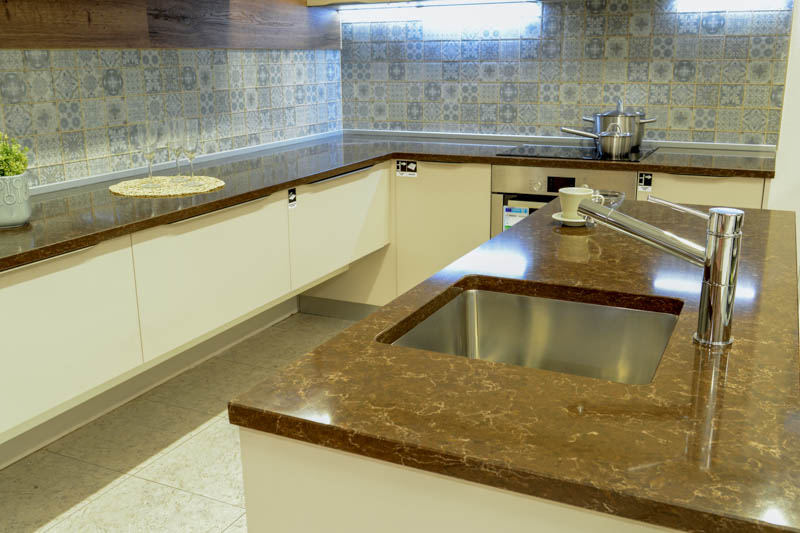 Kuhinja od kvarca athos brown (3)