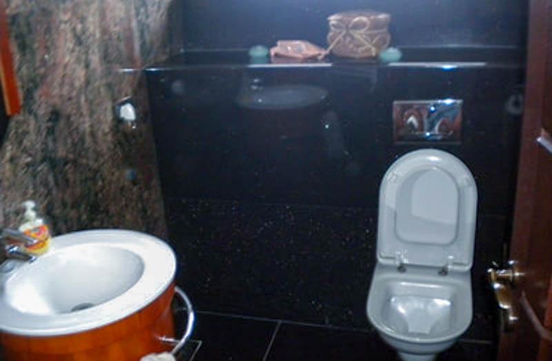Kupatilo-od-granita