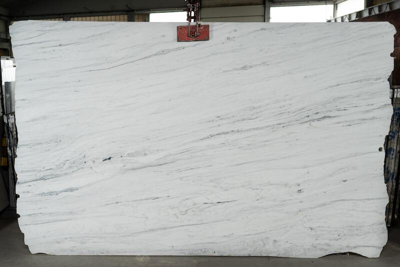 White-Everest---b9a9679e8468278024aafa7c504459f5218aff08